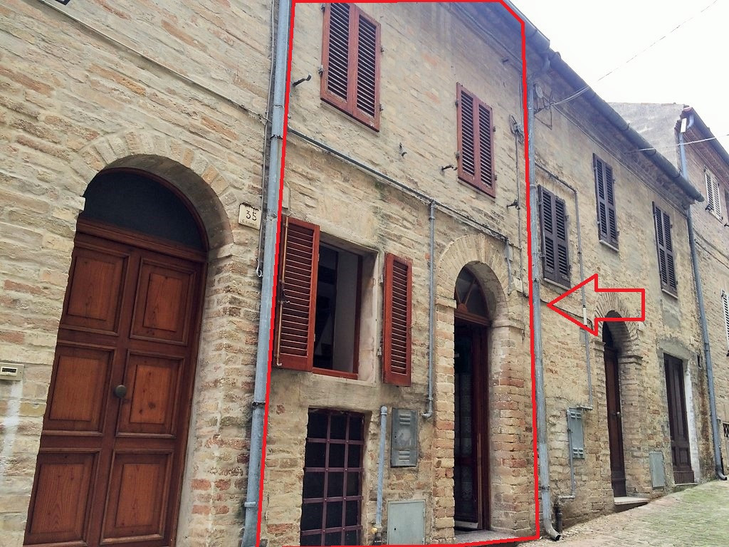 Casa singola in Vendita a Carassai #1